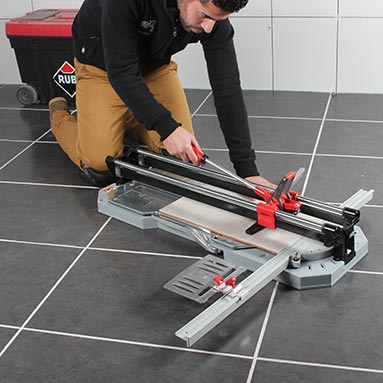 Rubi TX-900N tile cutter man demonstrating