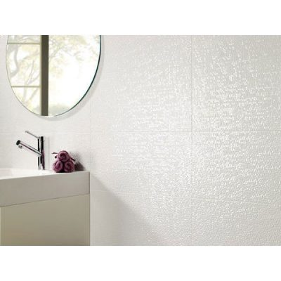 Pamesa Capua Blanco Crackle Effect Gloss Ceramic in bathroom